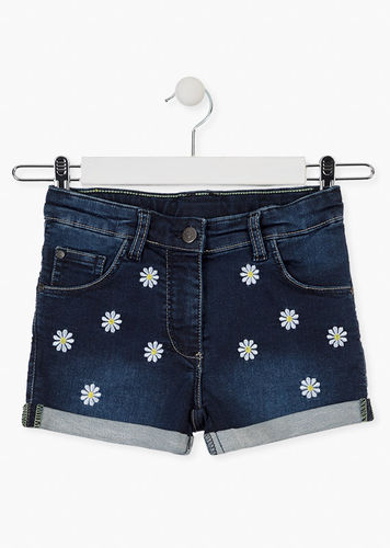 Short con bordados de margaritas LOSAN